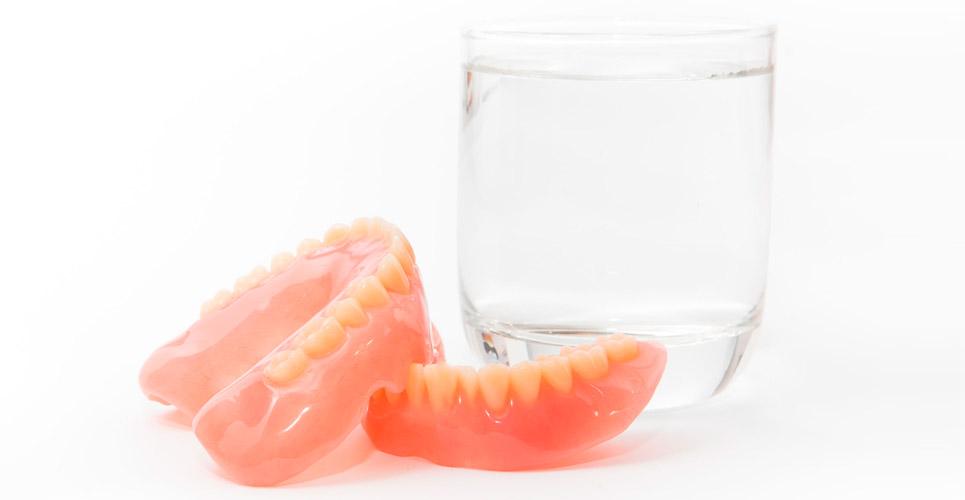 cuidado de prótesis dentales